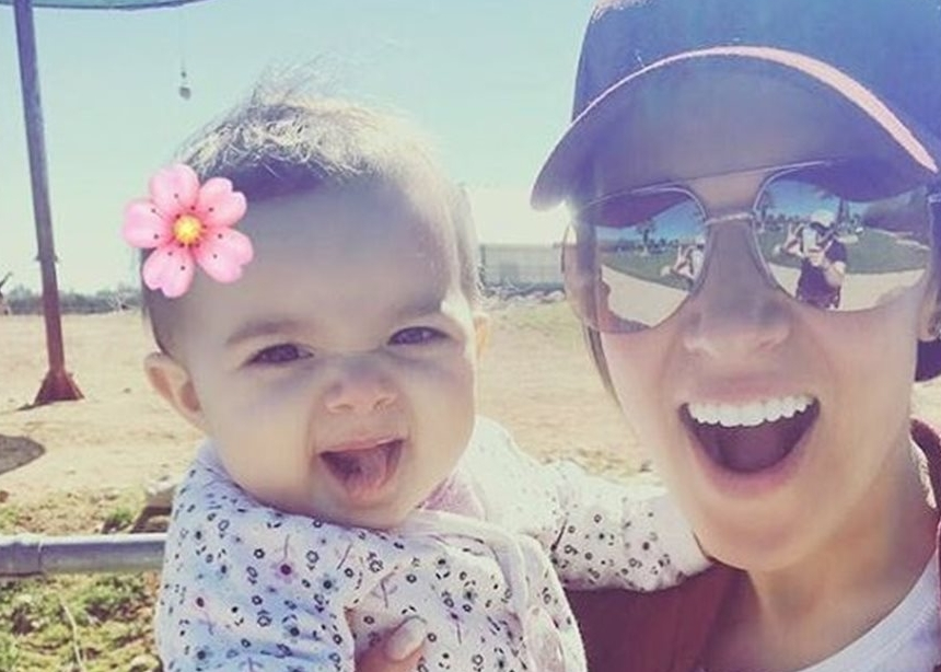 Καλομοίρα: Είδε μαζί με την κόρη της τις Χρυσές Σφαίρες! [pics] | tlife.gr