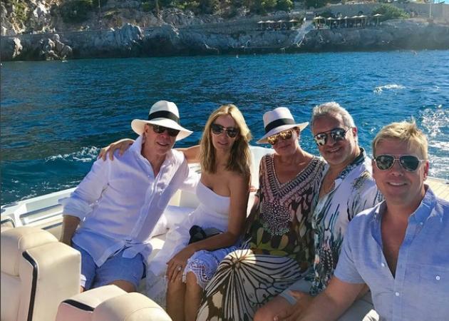 H μητέρα των Kardashian κάνει σκαφάτες διακοπές στην Ελλάδα | tlife.gr