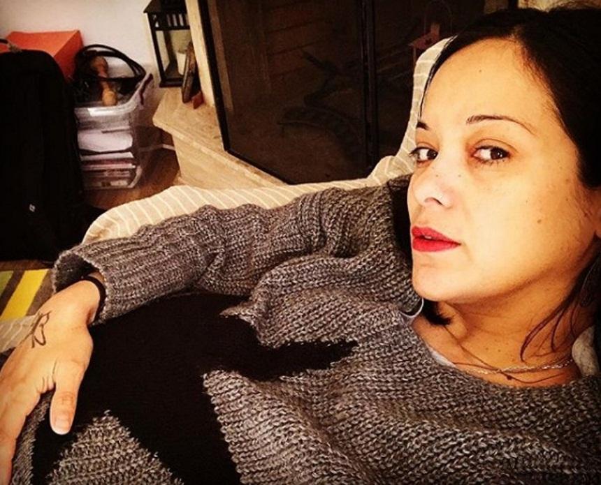 Κατερίνα Τσάβαλου: Φτιάχνει σε καλούπι την κοιλιά της, λίγο πριν γεννήσει! Video   tlife.gr