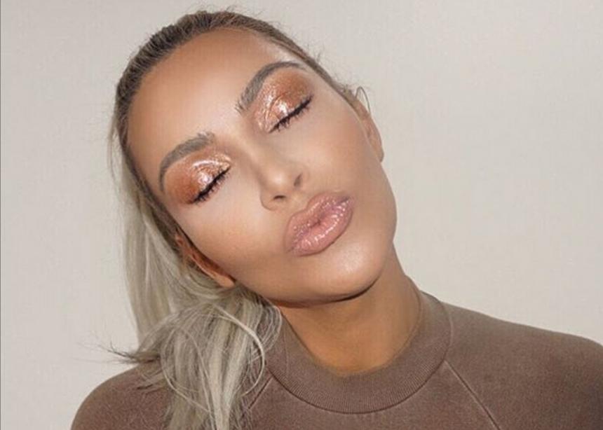 Η Kim Kardashian μας έδειξε ποιο θα είναι το επόμενο λανσάρισμά της! Μαντεύεις; | tlife.gr