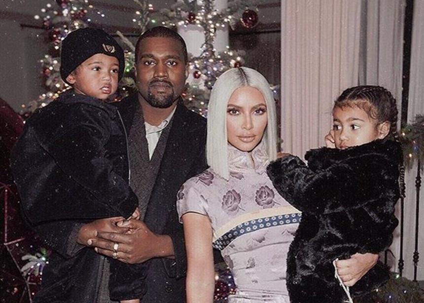 Πώς καλωσόρισαν η Kim Kardashian και ο Kanye West το τρίτο μωρό τους; | tlife.gr