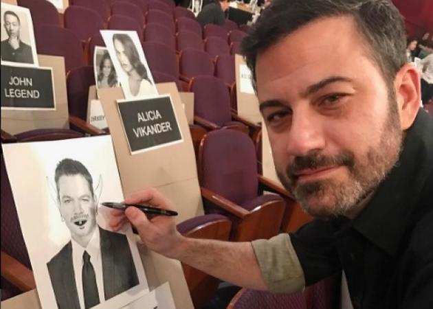 """Όσκαρ 2017: Η """"κόντρα"""" του Matt Damon με τον παρουσιαστή Jimmy Kimmel συνεχίζεται! [pics]"""