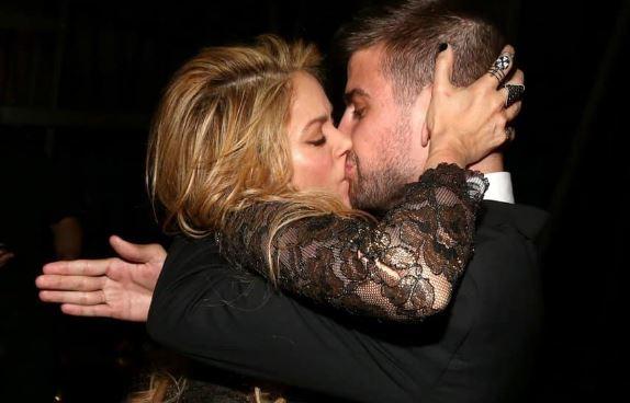 Gerard Piqué: Oι τρυφερές φωτογραφίες με την Shakira στα social media! | tlife.gr