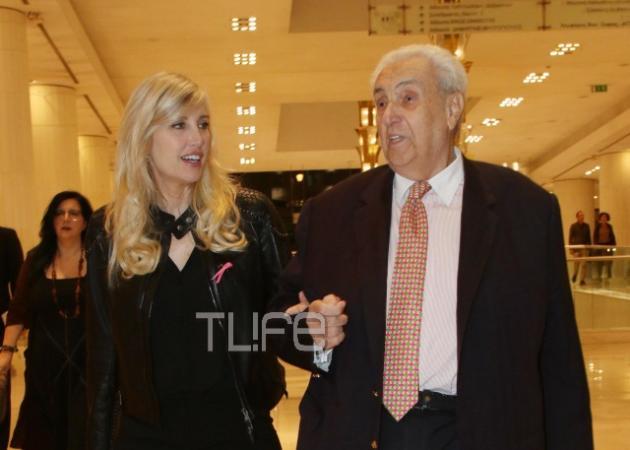Δημήτρης Κοντομηνάς: Νέα επίσημη έξοδος με την όμορφη σύντροφό του! [pics] | tlife.gr