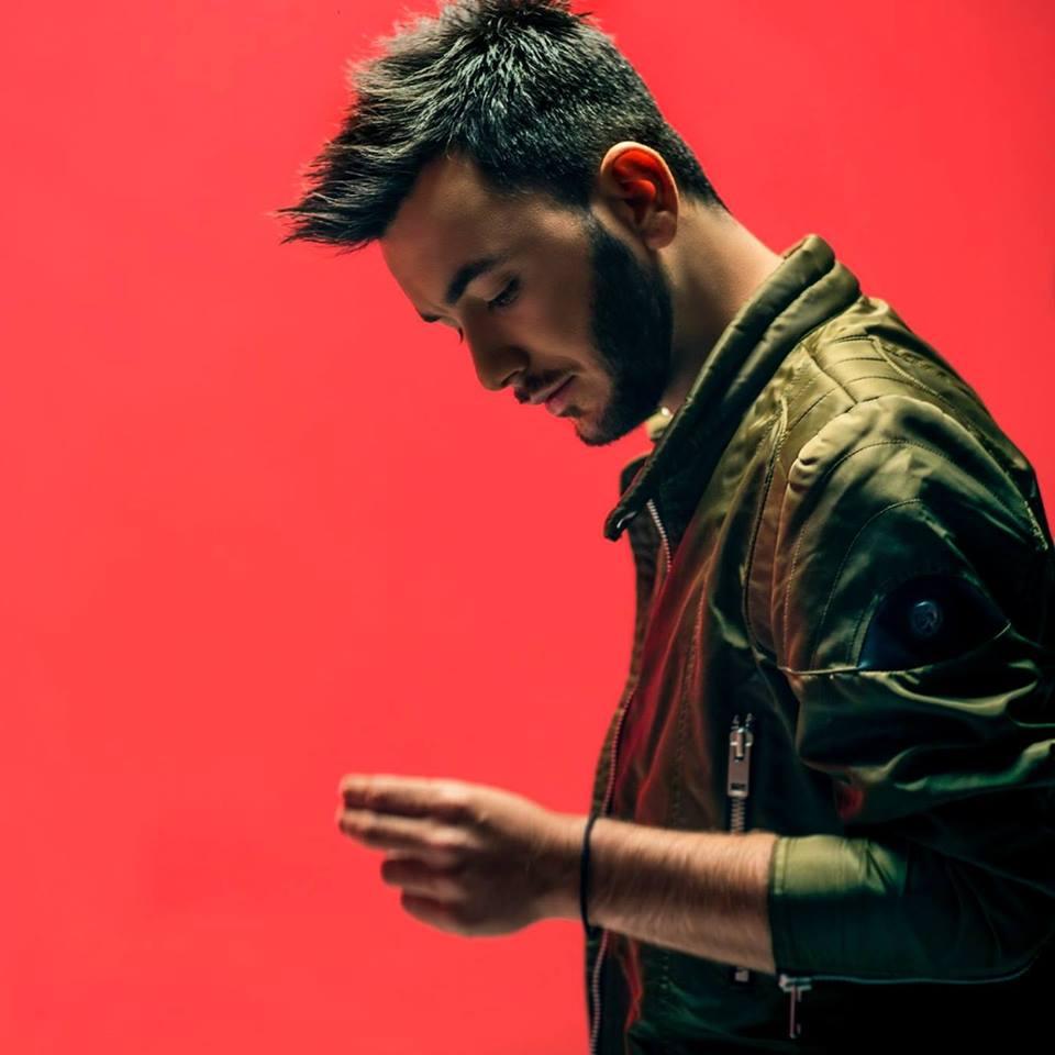 Δύσκολες ώρες για τον τραγουδιστή Κωνσταντίνο Κουφό | tlife.gr