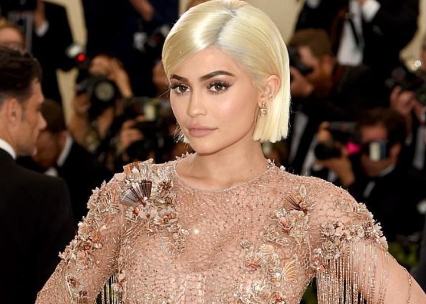 Σάλος στο διαδίκτυο με την Kylie Jenner! Μπήκε στο νοσοκομείο να γεννήσει; | tlife.gr