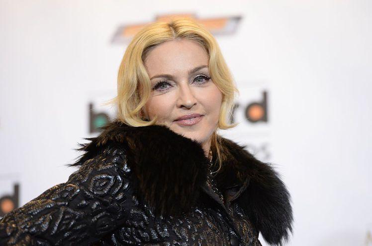 Madonna: Ο αγώνας για να φτιαχτούν σχολεία στο Μαλάουι! | tlife.gr