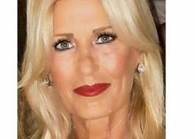 Είναι η πανέμορφη μαμά Έλληνα τραγουδιστή! [pics]