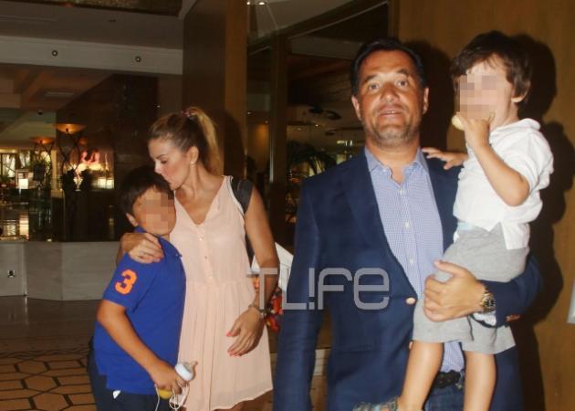 Άδωνις Γεωργιάδης – Ευγενία Μανωλίδου: Οικογενειακές στιγμές με τα αγόρια τους! [pics] | tlife.gr