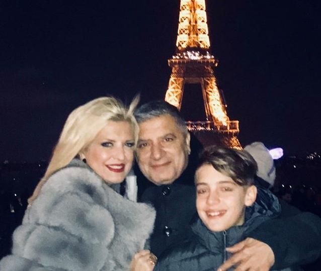 Μαρίνα Πατούλη: Απόδραση στο Παρίσι με τον σύζυγο και τον γιο τους! [pics] | tlife.gr