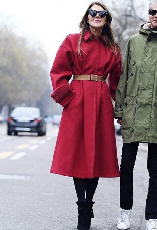 Μιλάνο με κόκκινο παλτό | tlife.gr