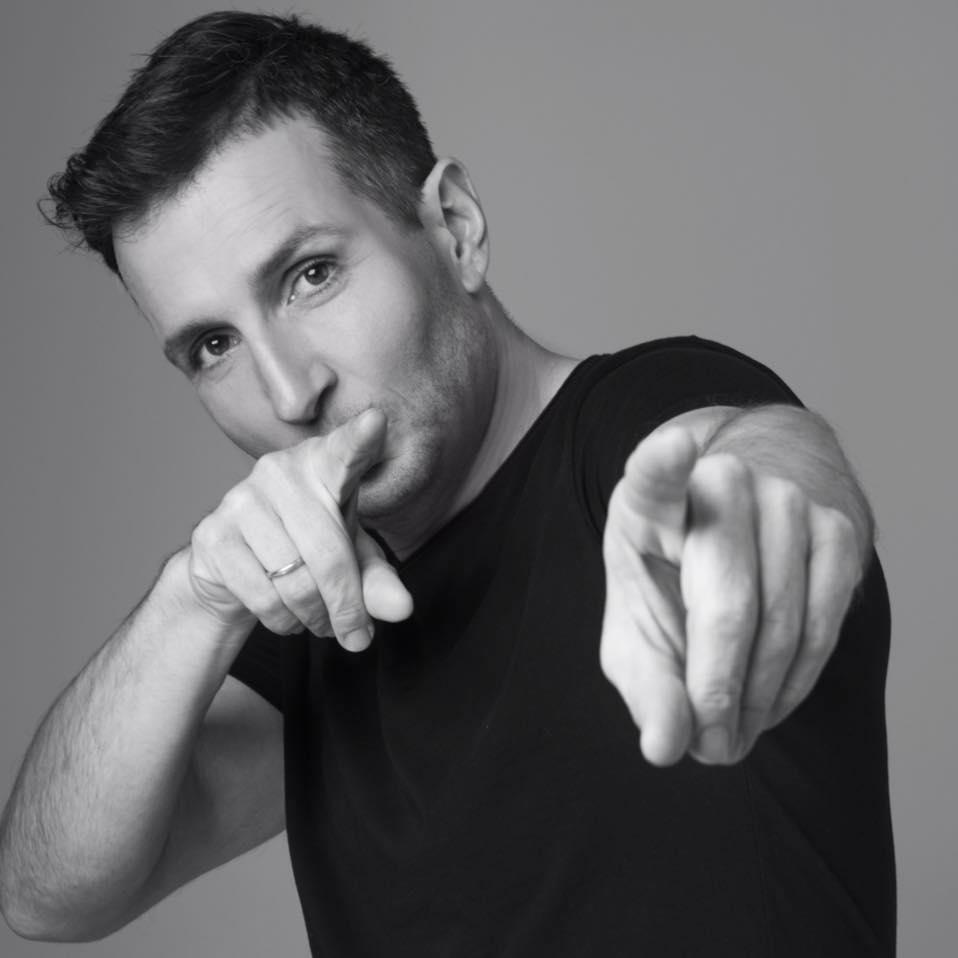 Δημήτρης Μπάσης: Συνεργασία έκπληξη στο νέο του τραγούδι!   tlife.gr