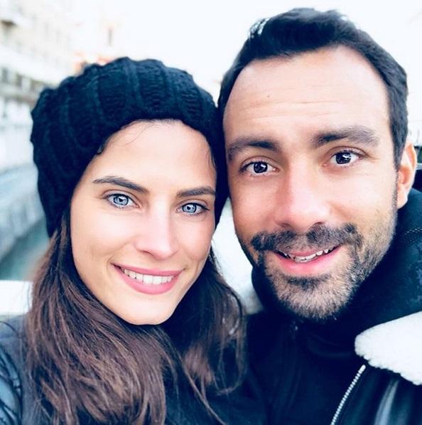 Χριστίνα Μπόμπα: Αποκάλυψε πού και πότε θα γίνει ο γάμος της με τον Σάκη Τανιμανίδη και μας έδειξε πόσο τον στήριξε στην πρεμιέρα του Survivor! | tlife.gr