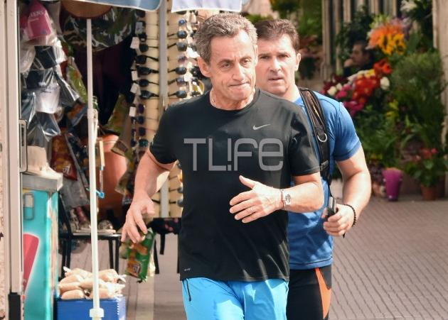 Όταν ο πρώην πρόεδρος της Γαλλίας κάνει jogging στο Σύνταγμα! [pics] | tlife.gr