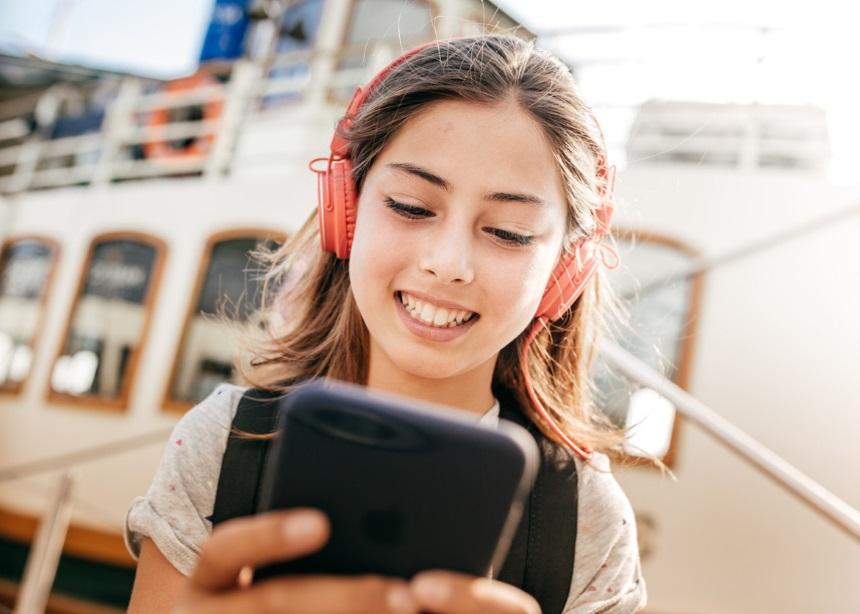 Μήπως το παιδί σου είναι εθισμένο στο κινητό του; Απάντησε στο ερωτηματολόγιο | tlife.gr