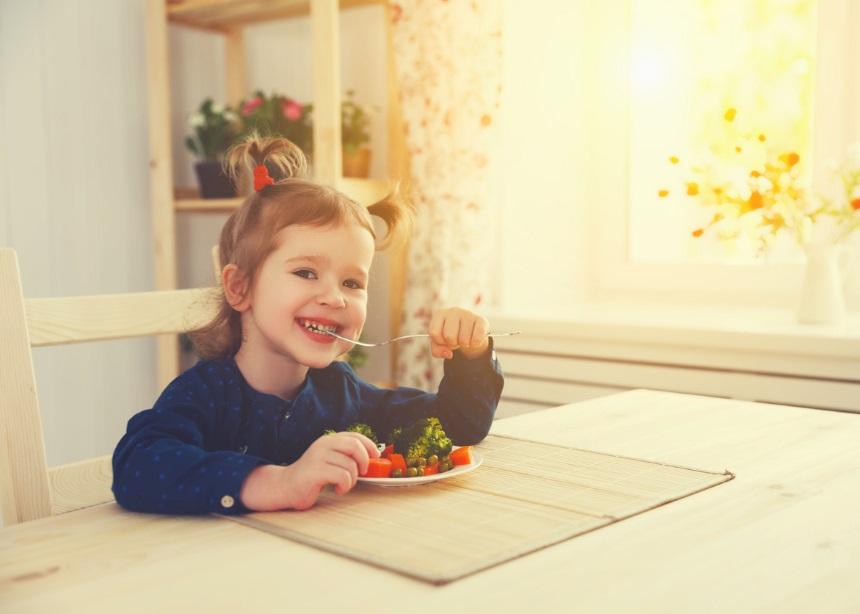 Οι τροφές που μπορεί να φάει το μικρό σου κι ας μην είναι βιολογικές! | tlife.gr