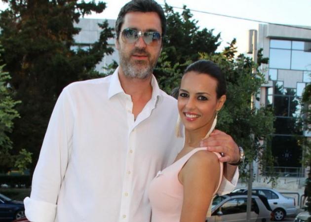 Όλγα Λαφαζάνη: Η τούρτα έκπληξη για τα γενέθλια του συζύγου της!   tlife.gr
