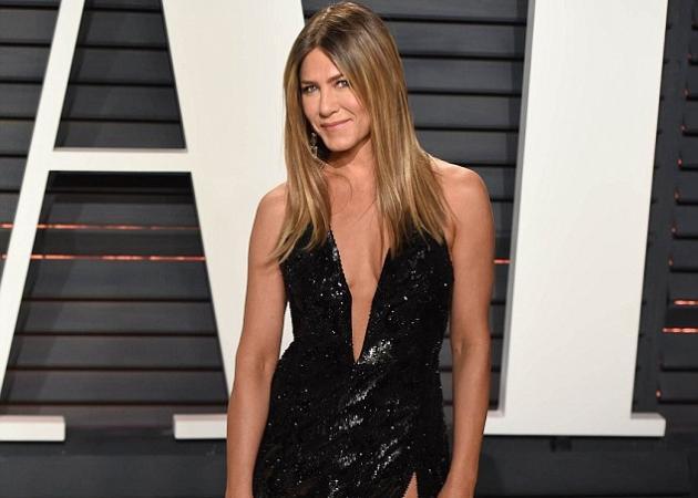 Jennifer Aniston: Αντέγραψε πασίγνωστη τραγουδίστρια στην εμφάνισή της στα Όσκαρ! [pics,vids] | tlife.gr