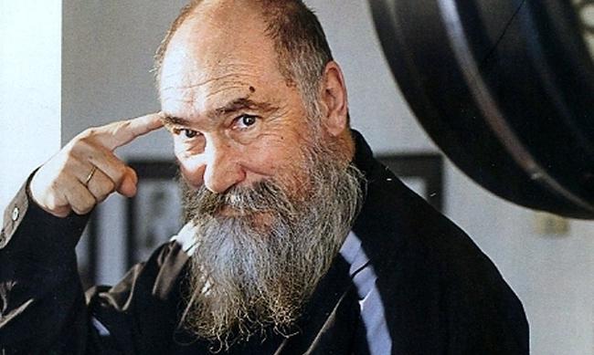 Πέθανε ο Τζίμης Πανούσης | tlife.gr