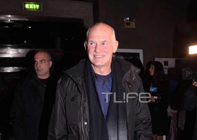 Γιώργος Παπανδρέου: Σπάνια βραδινή έξοδος στο θέατρο! Φωτογραφίες