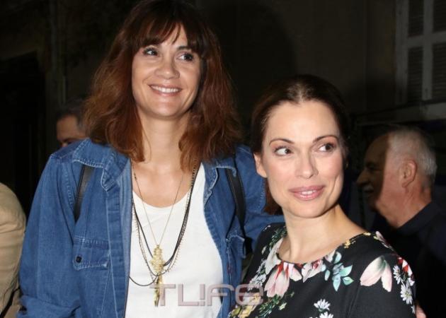Άννα Μαρία Παπαχαραλάμπους: Βραδινή έξοδος στο θέατρο! | tlife.gr