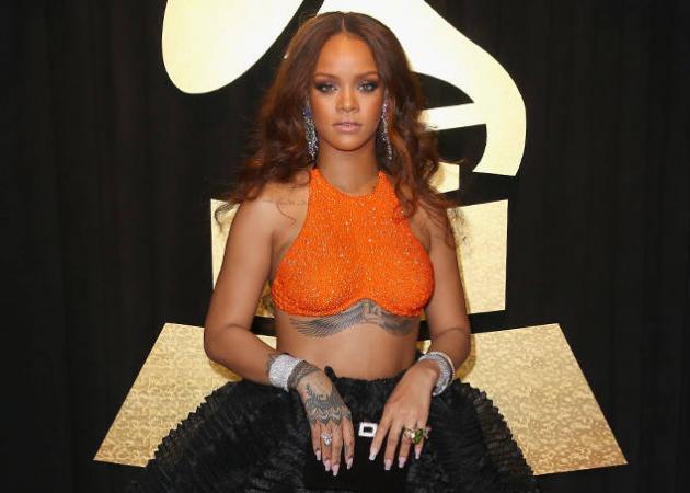 Rihanna: Έδωσαν το όνομά της σε δρόμο στα Barbados! | tlife.gr
