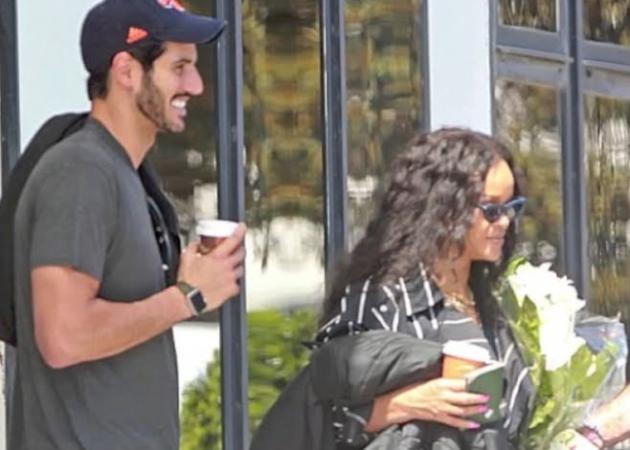 Rihanna: Έκρυψε τον εκατομμυριούχο σύντροφό της… κάτω από την ομπρέλα της! [pics] | tlife.gr