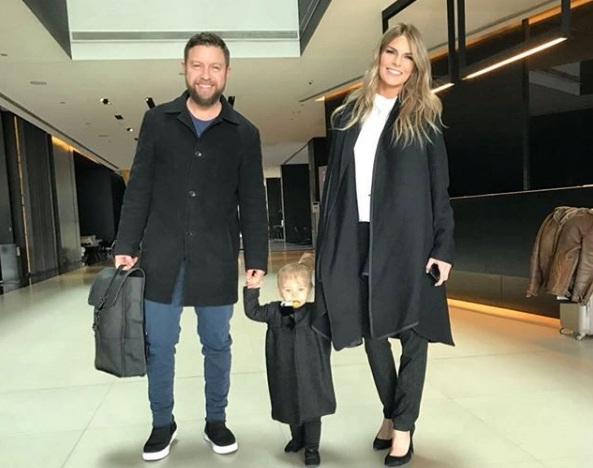Νατάσα Σκαφιδά – Γιάννης Βαρδής: Η μικρή κόρη τους περπατάει και είναι αξιολάτρευτη! Video | tlife.gr