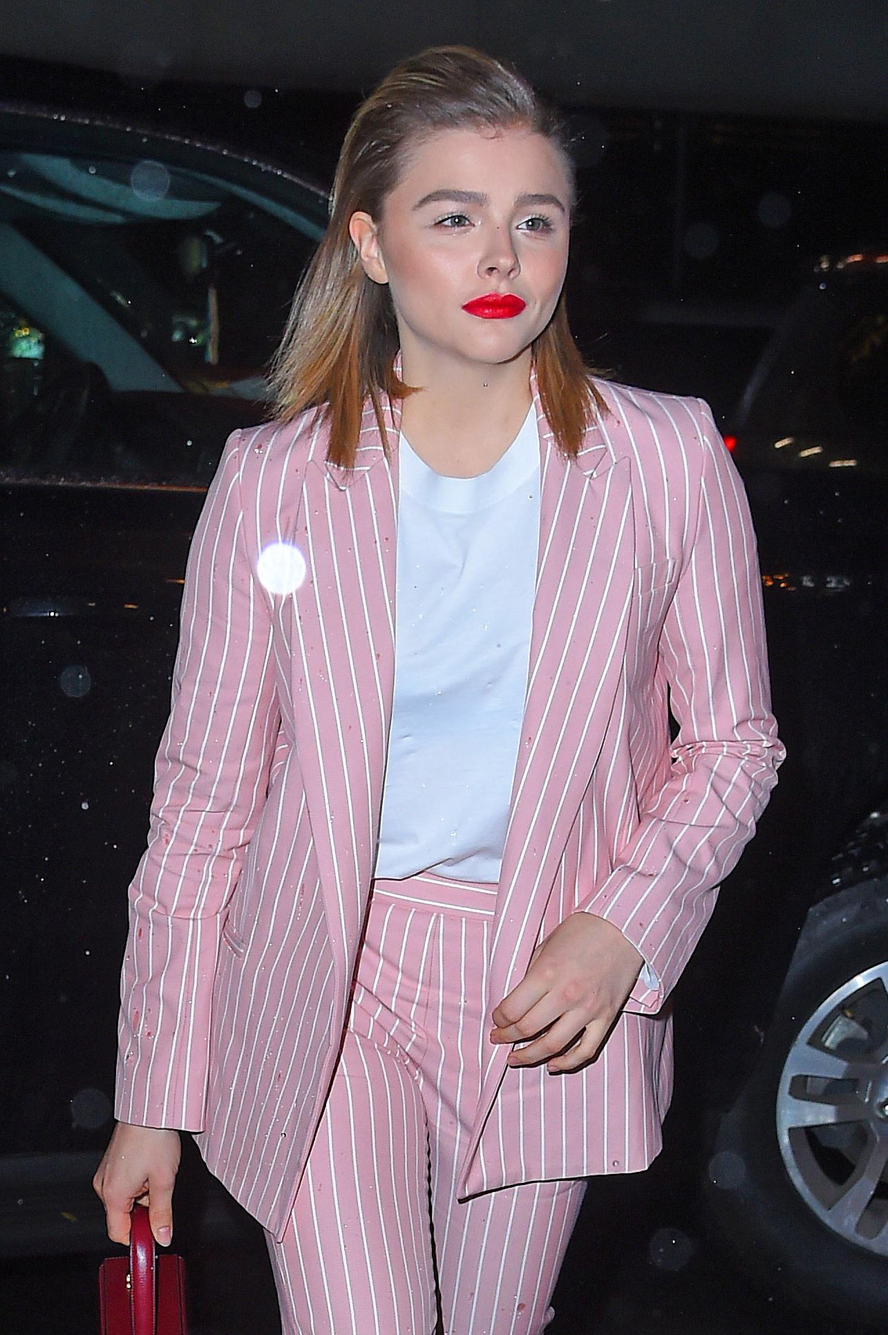 Ποιο χρώμα είναι το rorange που φοράει συνεχώς η Chloe Grace Moretz; | tlife.gr