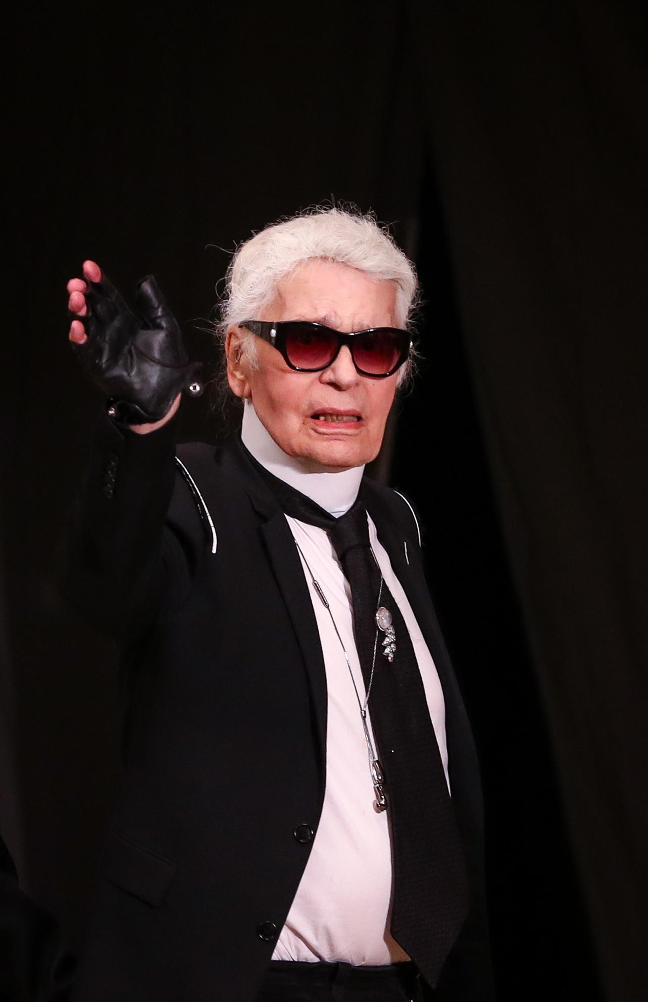 Ο Karl Lagerfeld άφησε γένια!   tlife.gr