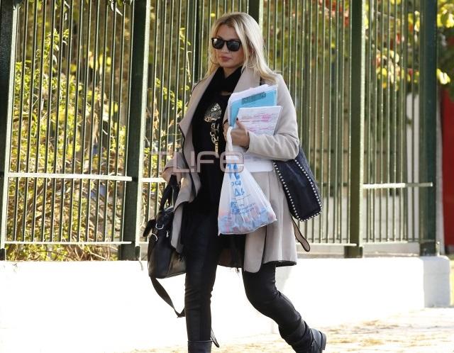 Κωνσταντίνα Σπυροπούλου: Εξακολουθεί να διδάσκει στο 3ο ΓΕΛ Αργυρούπολης![pics] | tlife.gr
