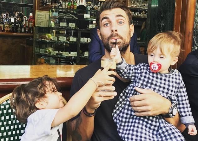 Στέλιος Χανταμπάκης: Λείπει η Όλγα Πηλιάκη και τα παιδιά τον έχουν τρελάνει! Ξεκαρδιστικό video | tlife.gr