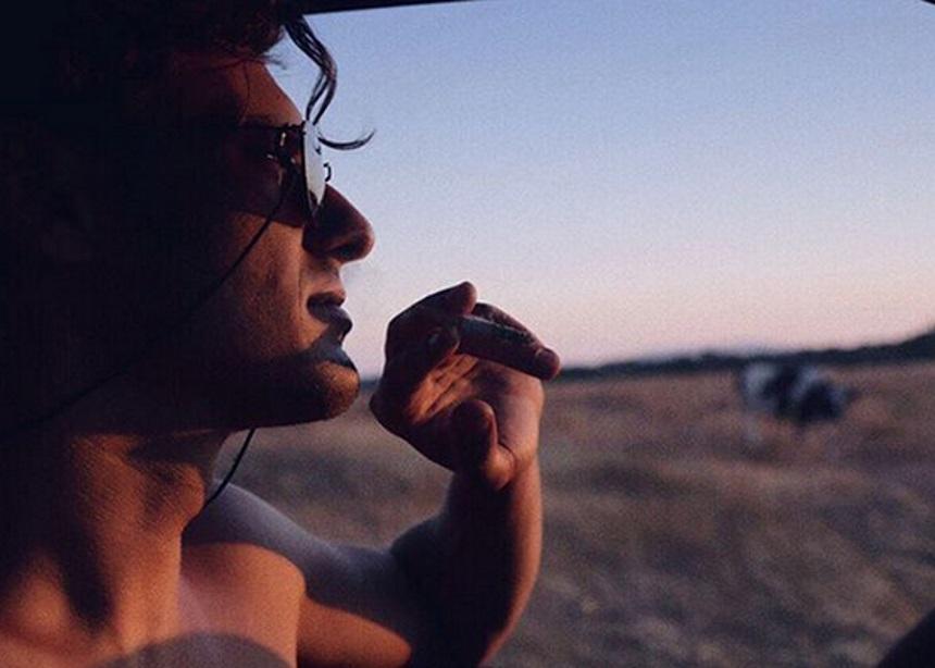 Σταύρος Σβήγκος: Μας δείχνει την φουσκωμένη κοιλίτσα της συντρόφου του | tlife.gr