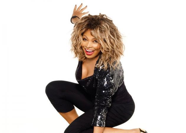Tina Turner: Η 77χρονη σταρ έκανε σπάνια εμφάνιση και δείχνει 40αρα! Φωτογραφίες | tlife.gr