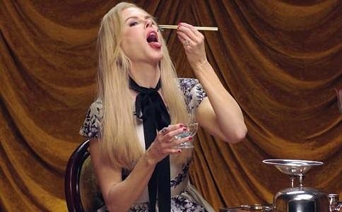 H Nicole Kidman τρώει μπροστά στην κάμερα σκουλήκια και κατσαρίδες και μας αφήνει άφωνους! VIDEO | tlife.gr