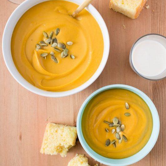 Βελουτέ σούπα με κόκκινες φακές και γλυκοπατάτες | tlife.gr