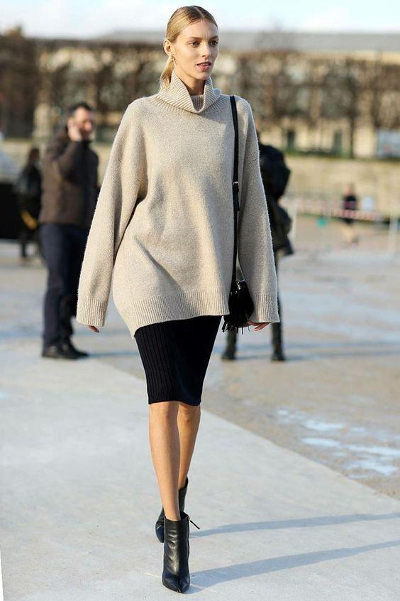 Συνεχώς μας ρωτάς αν η pencil φούστα ταιριάζει με ankle boots και με τι θα  μπορούσες να ολοκληρώσεις το στιλ σου. f57ad0936a5