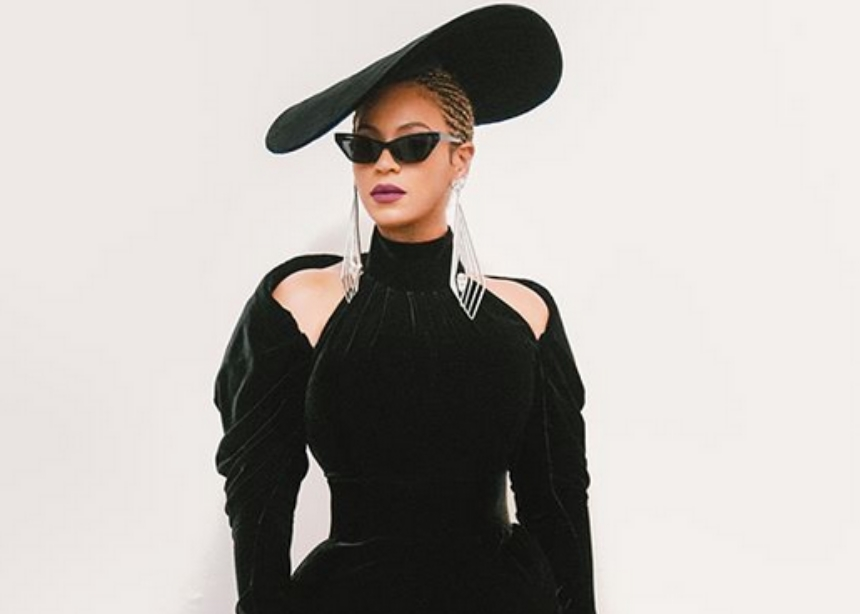 H Beyonce και η Rihanna έγιναν μανικιούρ! | tlife.gr