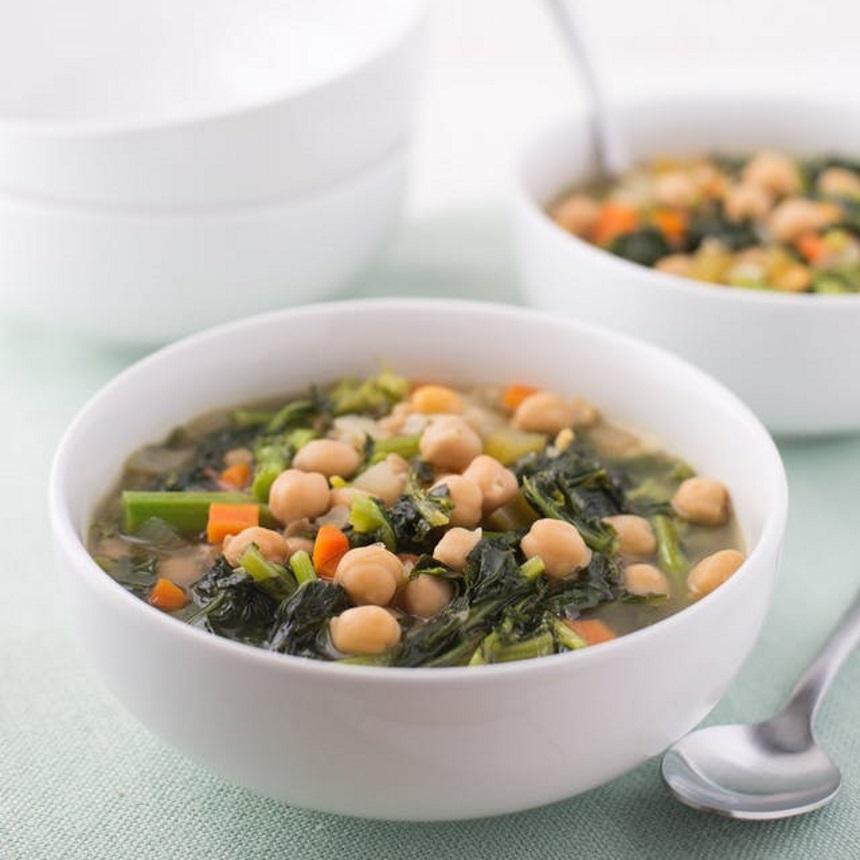Ρεβίθια σούπα με λαχανικά και μπρόκολο