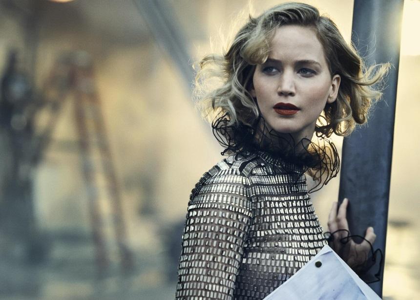 Το φόρεμα της Jennifer Lawrence είναι από το 1994 και σίγουρα σου θυμίζει κάτι