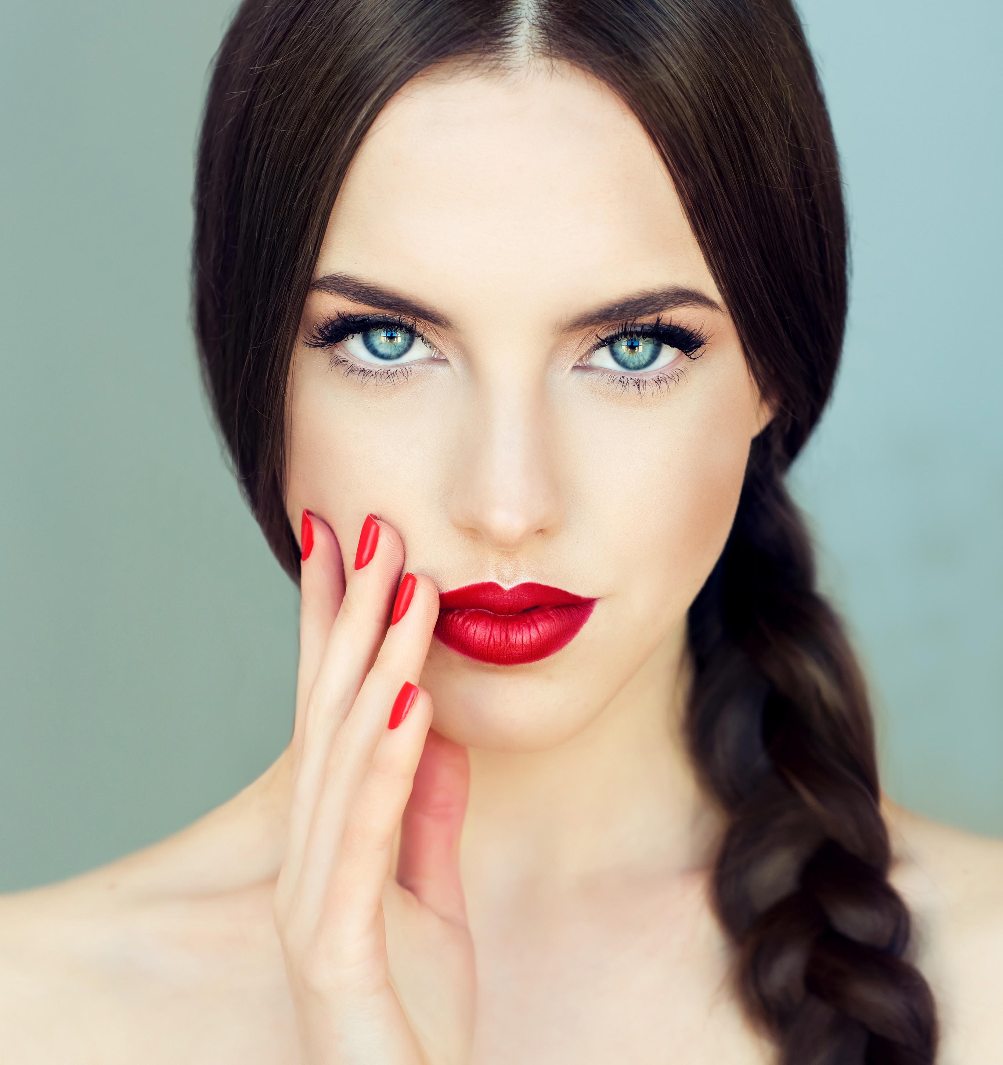 Πώς να φορέσεις το αγαπημένο σου κραγιόν χωρίς να κάνει κάθετες γραμμές στα χείλη!