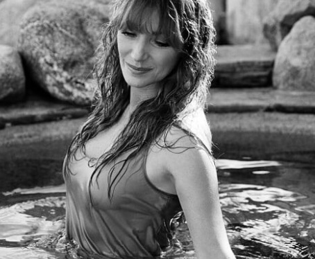 Jane Seymour: Ποζάρει στα 67 για το Playboy και είναι σέξι | tlife.gr