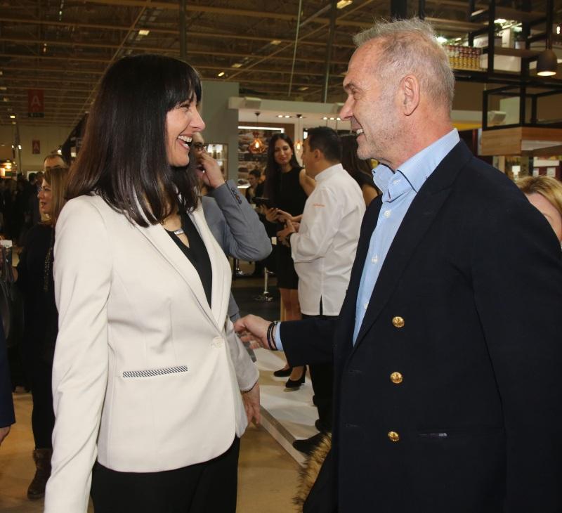 Πέτρος Κωστόπουλος: Πού συναντήθηκε με την Υπουργό Τουρισμού Έλενα Κουντουρά; [pics] | tlife.gr