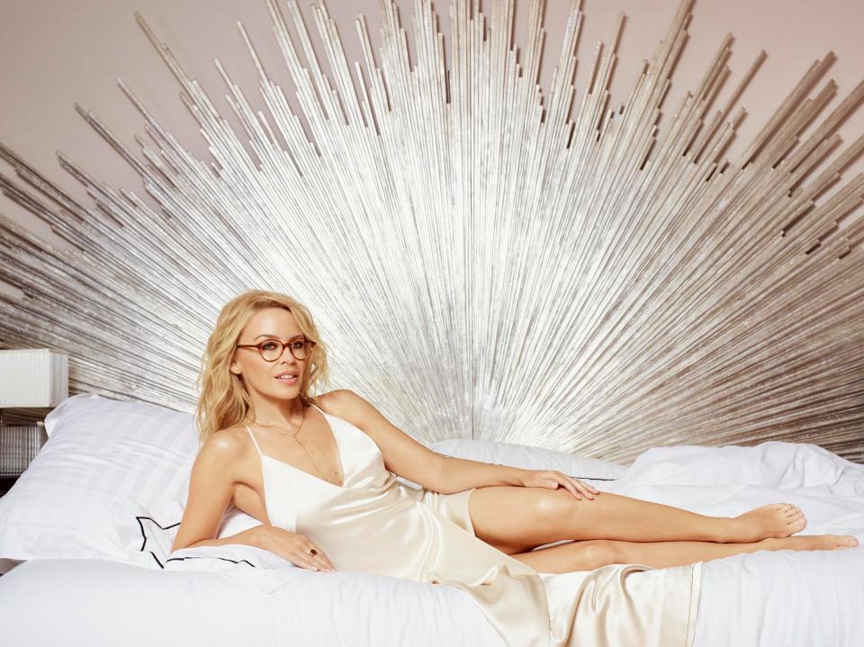 Kylie Minogue: Αποκαλύπτει πως νιώθει που δεν μπορεί να αποκτήσει παιδιά! | tlife.gr