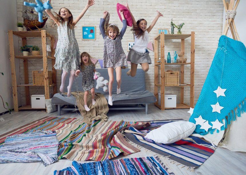 Παιδικό pajama party: Πώς να προετοιμαστείς για την… απόβαση των παιδιών στο σπίτι! | tlife.gr