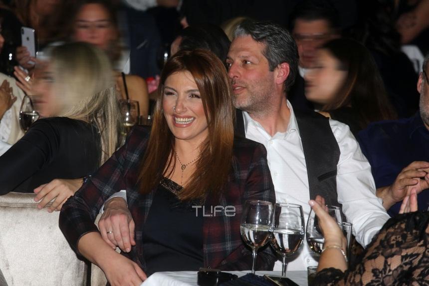 Έλενα Παπαρίζου: Νέες φωτογραφίες από την σπάνια βραδινή έξοδο με τον σύζυγό της [pics] | tlife.gr