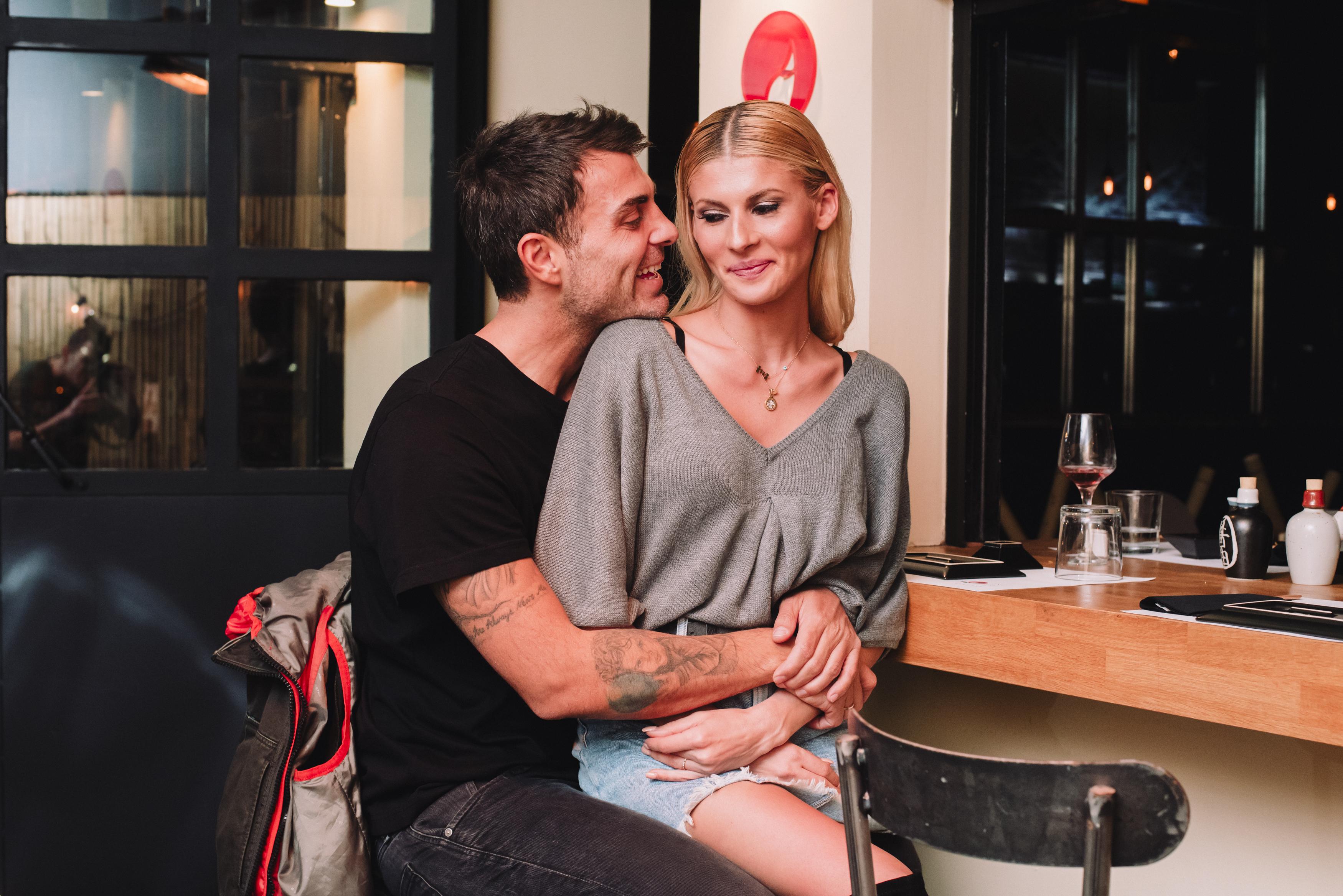 Στέλιος Χανταμπάκης – Όλγα Πηλιάκη: Τρυφερές στιγμές σε βραδινή τους έξοδο [pics] | tlife.gr