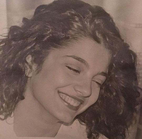 Είναι διάσημη παρουσιάστρια στα 16 της και μιλά για τη διαδρομή της ζωής της! | tlife.gr