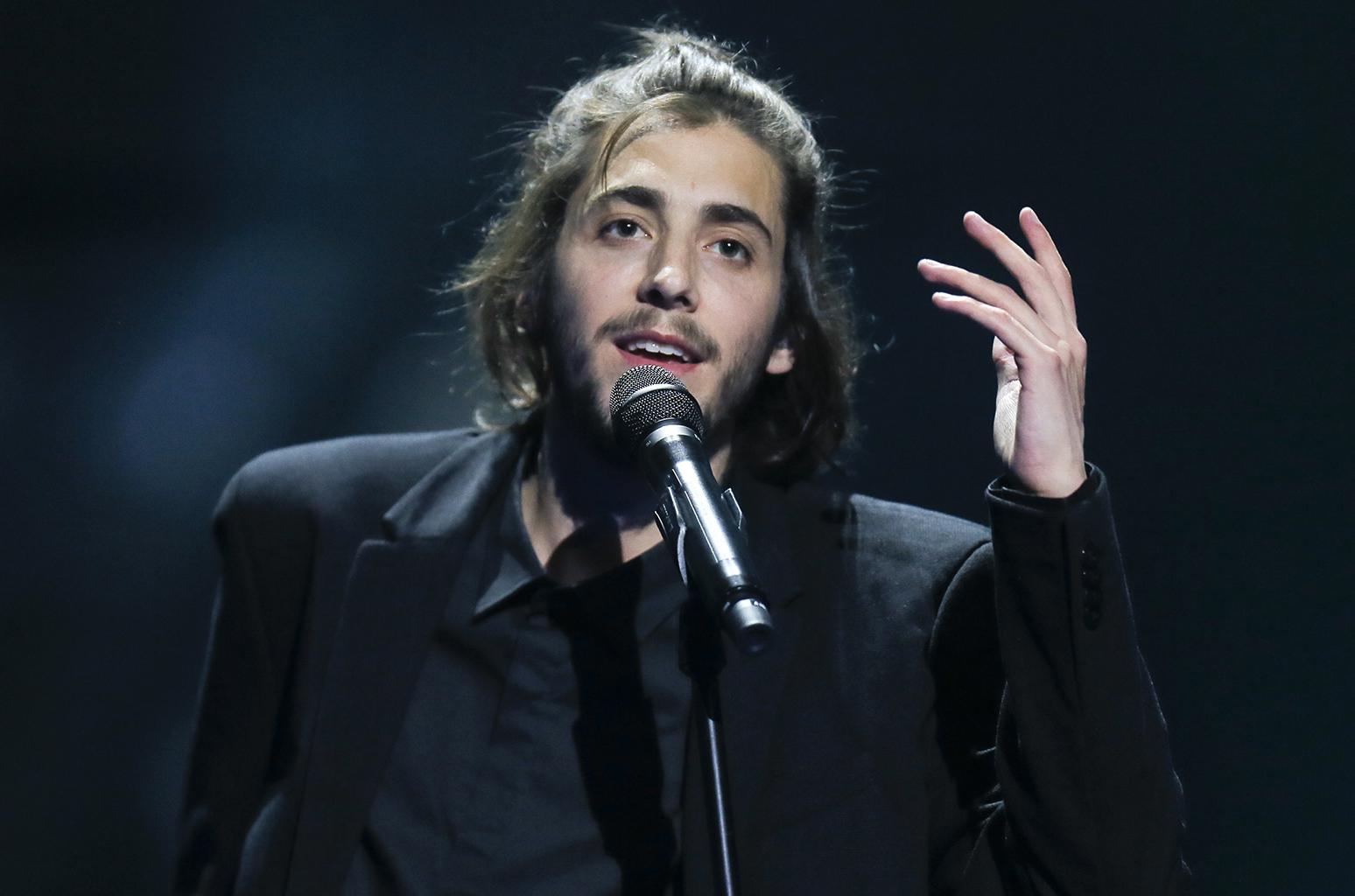 Salvador Sobral: Παντρεύτηκε ο νικητής της Eurovision 2017 ένα χρόνο μετά τη μεταμόσχευση καρδιάς   tlife.gr