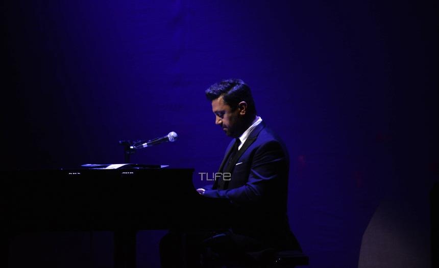 Γιώργος Θεοφάνους: Η σύζυγός του τον απόλαυσε στην συναυλία του στο Παλλάς [pics]